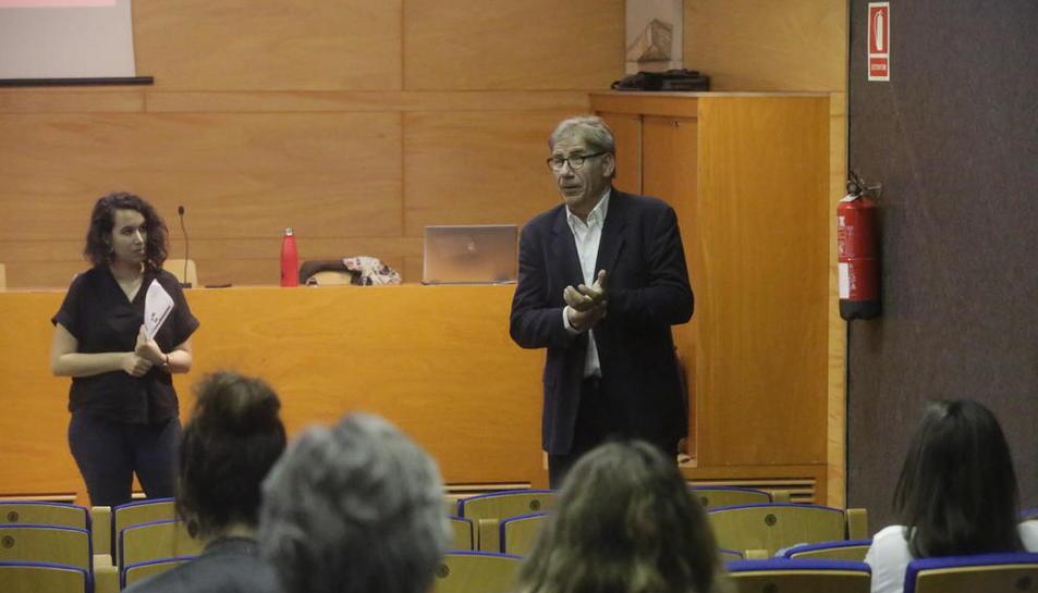 El encuentro informativo tuvo lugar ayer en la sala Jaume Magre.