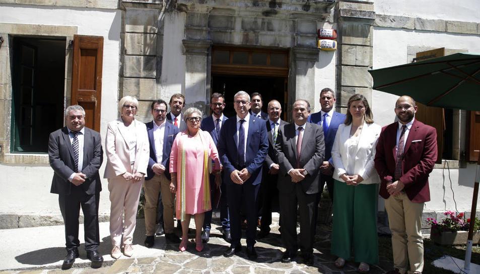 El nuevo Conselh Generau tras el pleno de investidura celebrado ayer a mediodía.