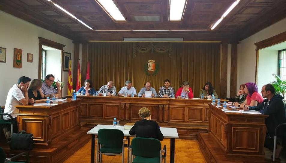 La nueva corporación del ayuntamiento de Vielha.