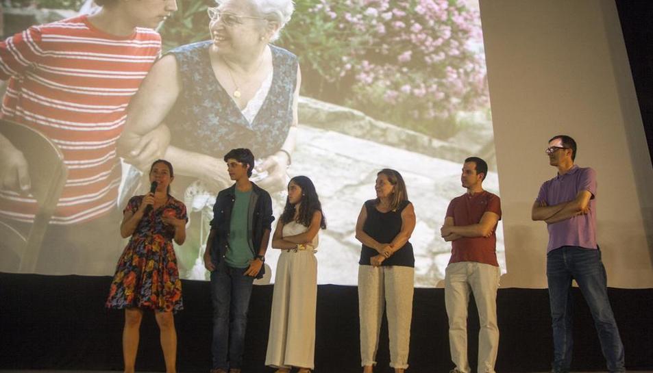 Isona Passola, Laura Jou y actores de la película acudieron a la presentación en Tàrrega.