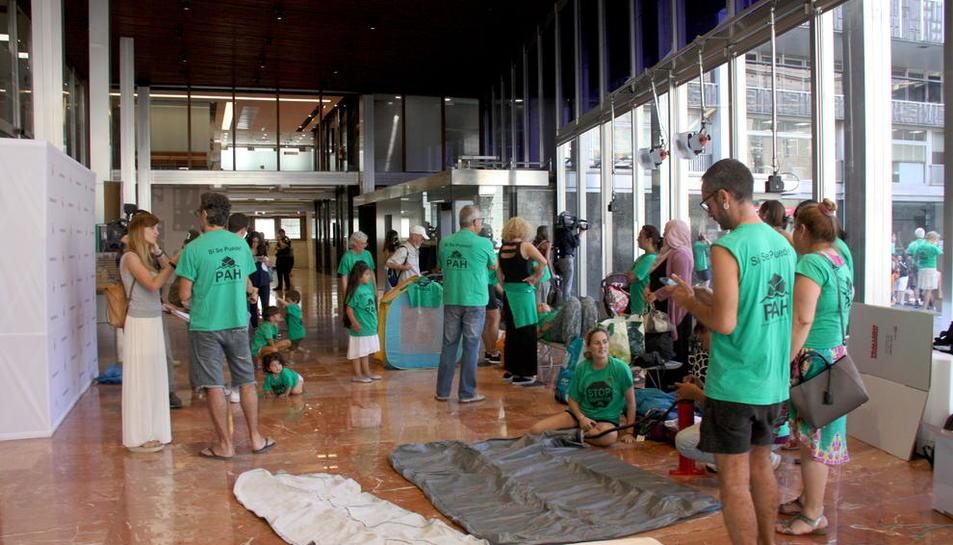 La PAH okupa l'ajuntament de Barcelona per reallotjaments dignes