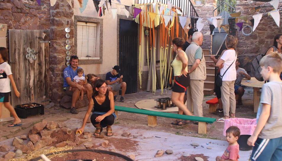 El público familiar fue el más presente en el primer día de festival y los más pequeños se lo pasaron en grande con los talleres.