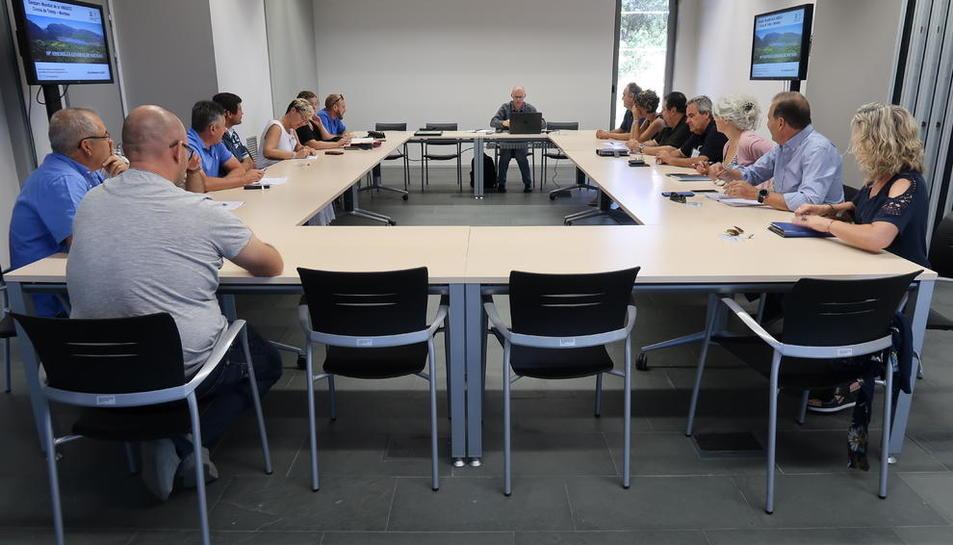 Un momento durante la reunión de la asamblea del Geoparc ayer.