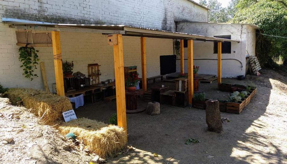 Las instalaciones de la Escola Bosc La Escoleta del Mas en el complejo de La Manreana de Juneda.