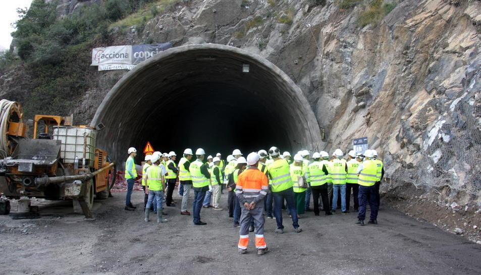 Ceremonia del día en que se encontraron las bocas norte y sur del túnel de Tres Ponts.