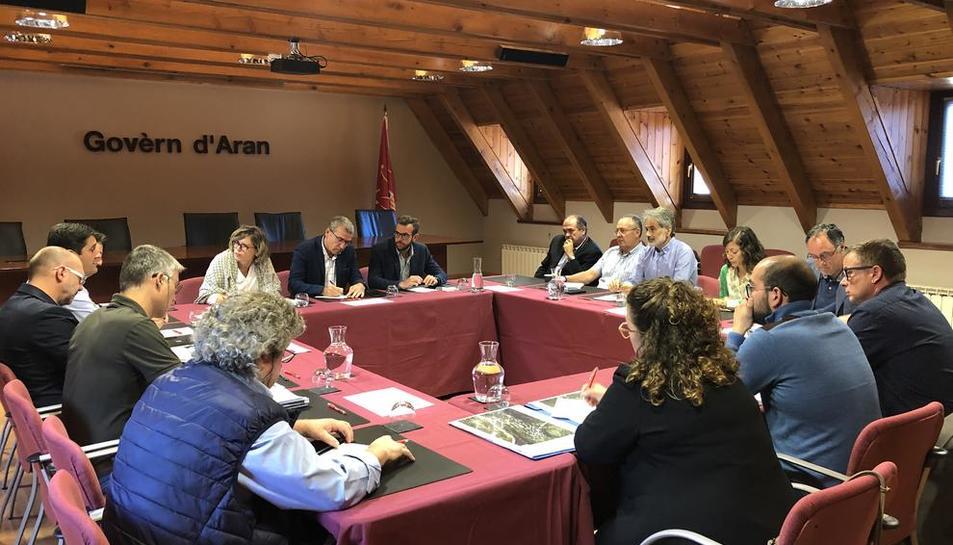 La reunión mantenida ayer con los alcaldes en el Conselh.