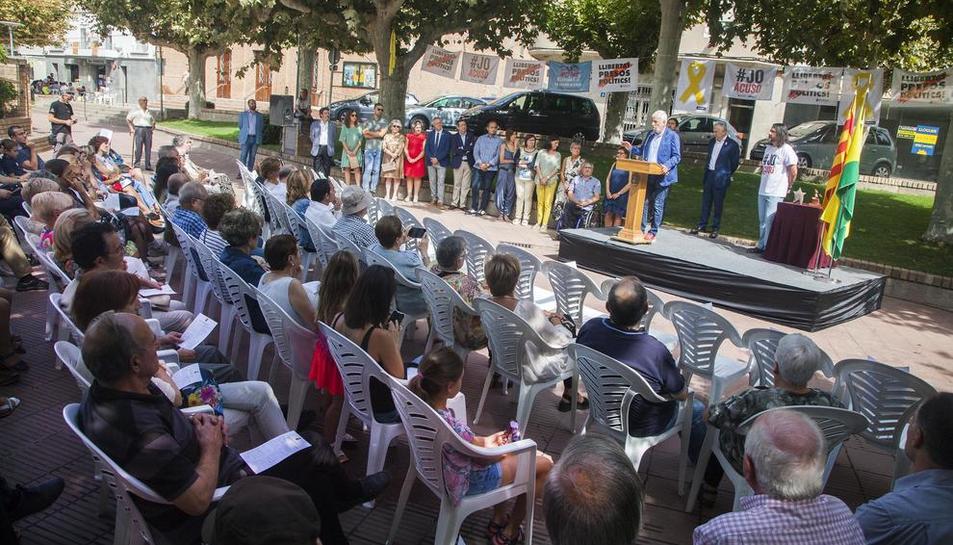 L'entrega del Premi Estel de Bellpuig a Josep Maria Matamala.