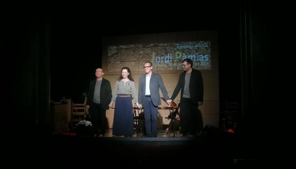 La companyia Cassigalls va protagonitzar l'espectacle d'homenatge.