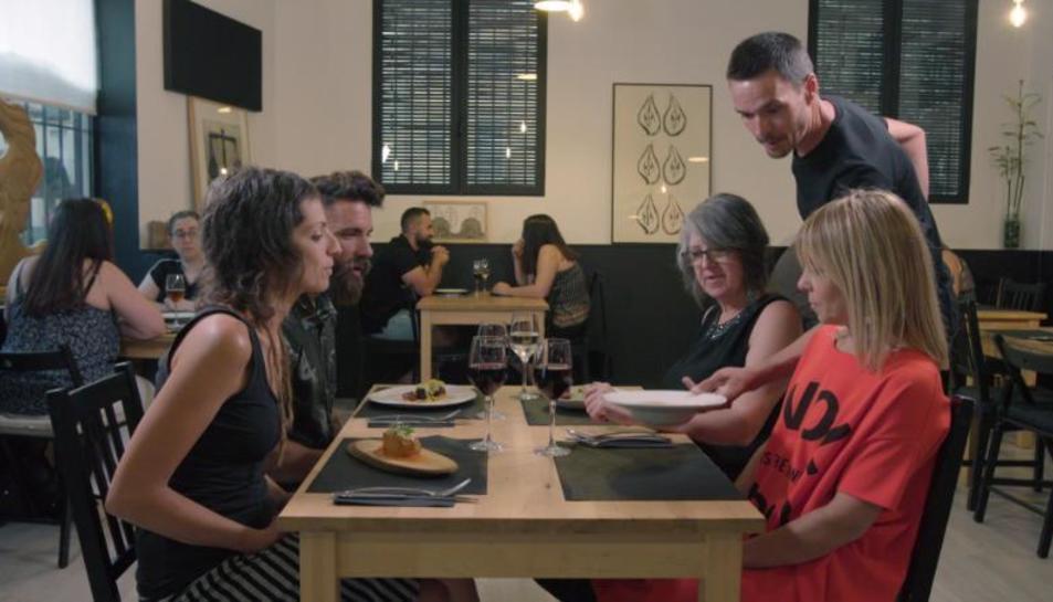 Marc Ribas i tres concursants valoren el restaurant amfitrió.