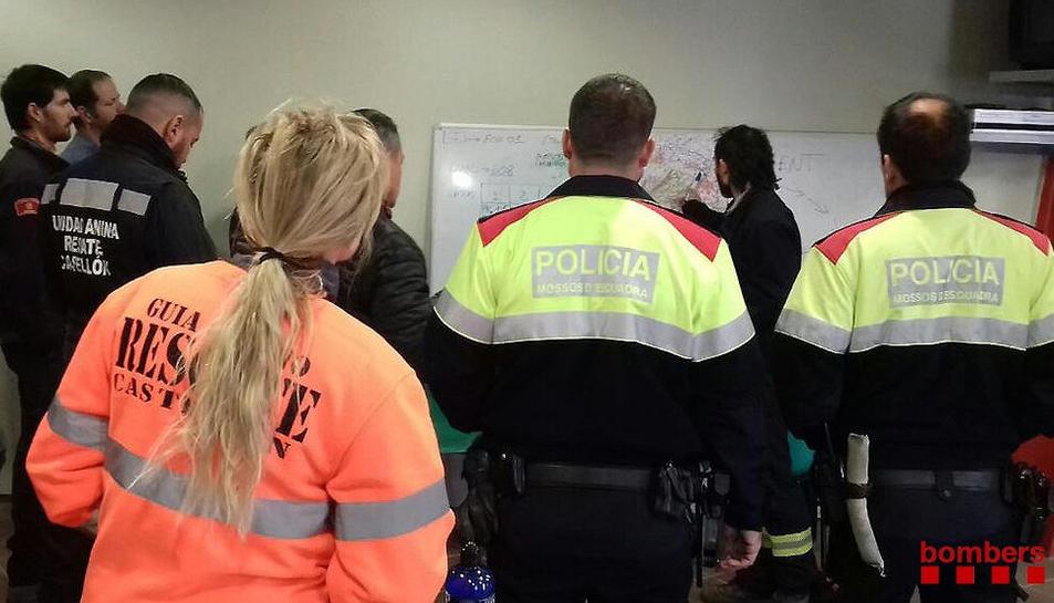 Los Bomberos reanudan la búsqueda de los tres desaparecidos por los aguaceros en la Conca de Barberà con la ayuda de perros