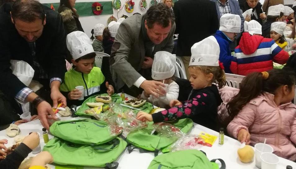 Campanya de promoció de consum d'oli entre nens amb Esmorzars Saludables a Andalusia.