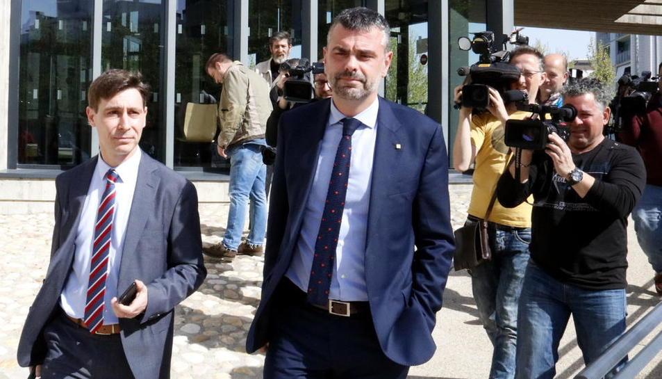 Santi Vila, al sortir del jutjat d'Osca l'abril del 2018.