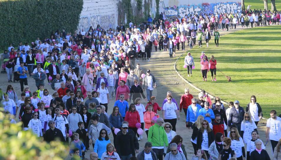 Una caminata contra el càncer a Lleida.