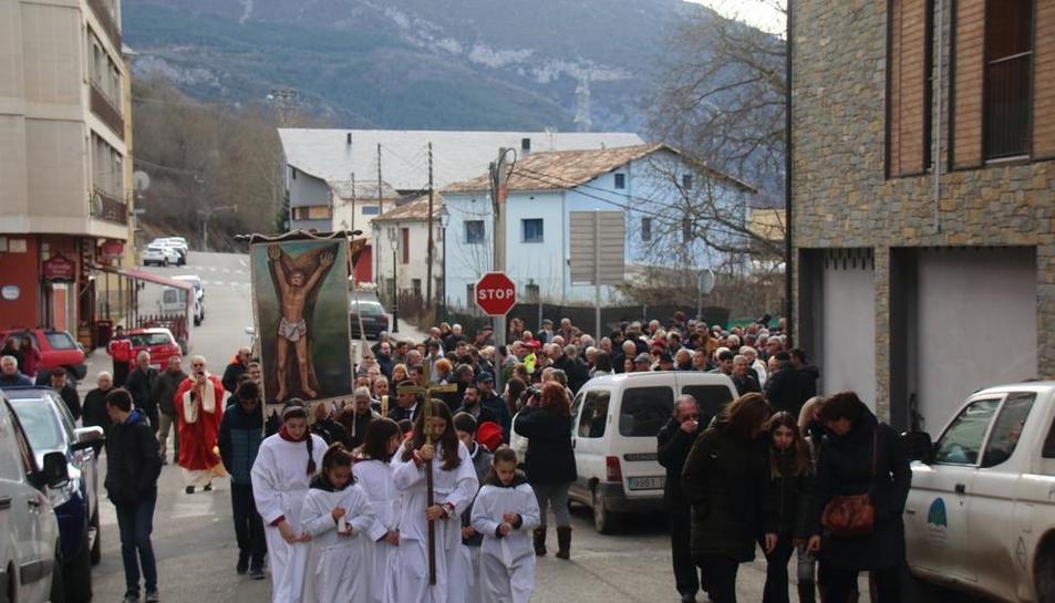 La procesión en honor a Sant Sebastià, ayer en El Pont de Suert.