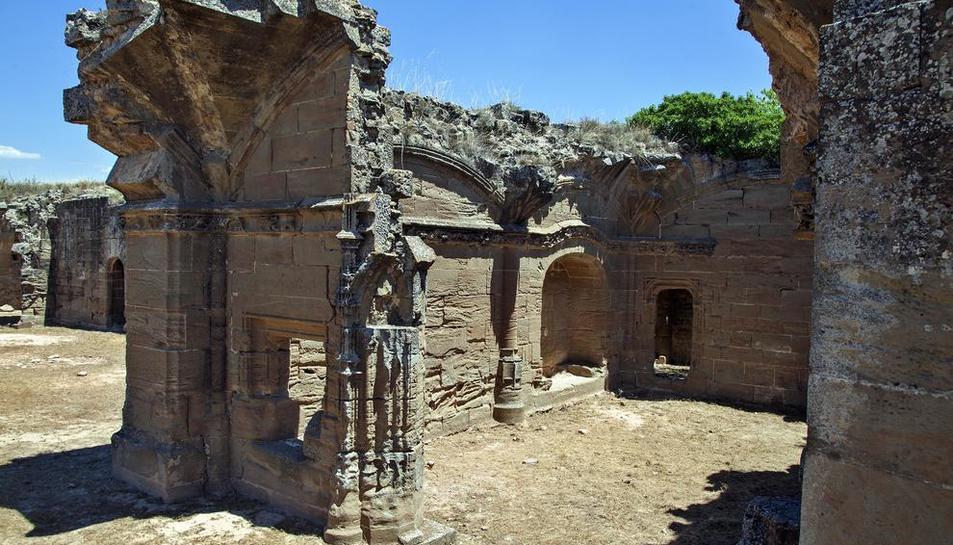 Imatge de l'estat actual de l'antic palau de Fluvià, d'estil gòtic.