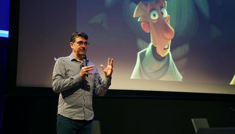 Fernando Moro va encomanar ahir als futurs animadors la passió per l'ofici, a la Llotja.