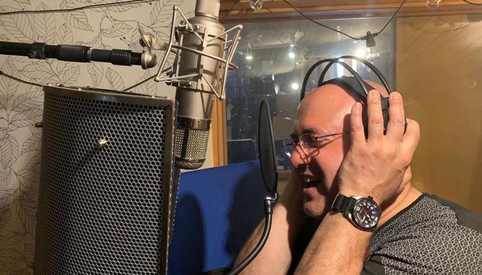 Ardèvol, durante la grabación de su disco.