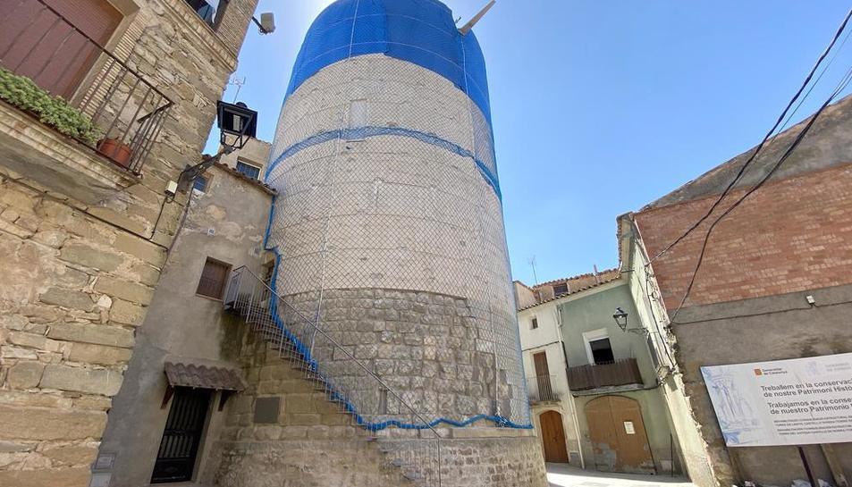 Imagen del nuevo aspecto de la torre medieval de Ivorra tras los trabajos de emergencia.