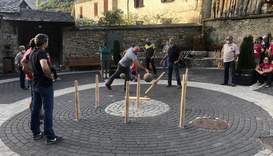 Les 'quilhes' tenen una altura d'1,25 metres i són fetes de fusta d'avet o de pi.
