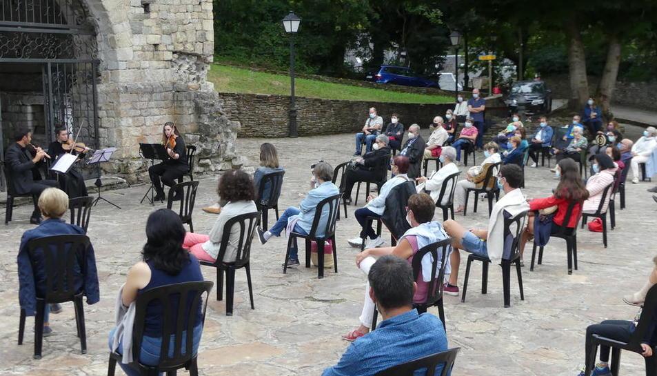 Actuación del pasado domingo del Trío Neubauer.