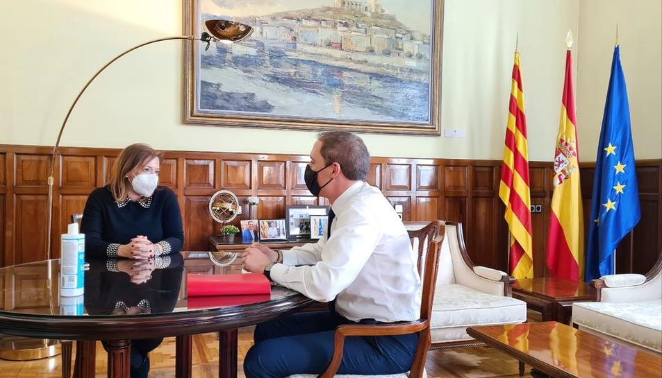 La directora provincial d'Inspecció, Sonia Gómez, i José Crespín.