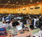 Centenares de personas y todo tipo de ordenadores llenan estos días los pabellones feriales de Mollerussa.