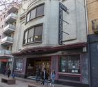 Vista general de la façana dels Cinemes Majèstic, ubicats a l'avinguda de Catalunya.