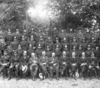 Fotografia de la plantilla dels Bombers de Lleida feta el 1928 als Camps Elisis de la capital del Segrià.