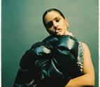 Rosalía en una imatge arran de la seva col·laboració amb Billie Eilish a 'Lo vas a olvidar'