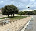 Residus que els joves que van participar en el macrobotelló van deixar a la Vila Universitària.