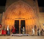 La Porta dels Apòstols de la Seu Vella va ser l'escenari de la batalla, que va acabar en taules.