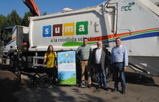 Educadores en bicicleta informan sobre cómo reciclar la basura