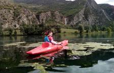 La Guingueta crea una comisión para luchar contra las algas de la Torrassa