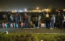 Comença l'evacuació d'immigrants de la 'jungla' de Calais