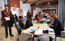 Unas 180 personas buscan trabajo en el 'Workshop' ocupacional de La Seu