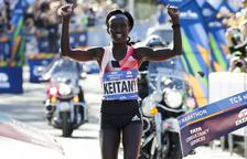 Keitany venç la seua tercera marató de Nova York, amb 50.000 corredors