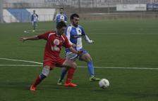 Feliu salva un punto en el minuto 93 para un Tamarit con 10 hombres
