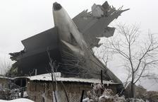 Al menos 37 muertos al estrellarse un avión de carga turco en Kirguizistán