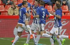 L'Alabès, amb molts suplents, goleja i agreuja la crisi de l'Sporting