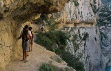 Los turistas vuelven a Mont rebei tras reabrir los accesos