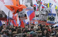 Miles de rusos se manifiestan en recuerdo de Nemtsov