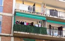Investigats els pares de la nena que va caure d'un balcó