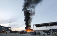 Calcinades quaranta tones a la planta de reciclatge dels Alamús