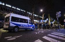 Dos policies morts i un de ferit per un tiroteig a París