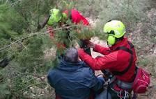 Rescatan a un excursionista tras sufrir una caída en Mont-rebei