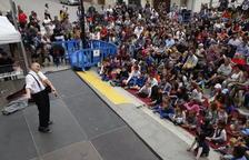 Pepe Viyuela diverteix els nens al festival Buuuf!