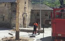 Isil prepara la tradicional baixada de falles de Sant Joan