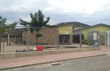 Pares de Montferrer protesten després de l'expedient a l'escola Rosa Campà