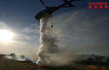Sufoquen un aparatós incendi en un camp agrícola de la Floresta