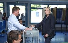 Macron arrasa republicans i socialistes a la segona volta